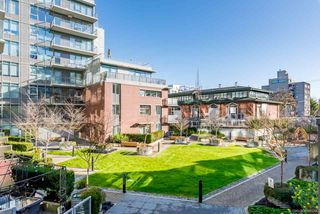 "Photo 15: 206 251 E 7TH Avenue in Vancouver: Mount Pleasant VE Condo for sale in ""District"" (Vancouver East)  : MLS®# R2443940"
