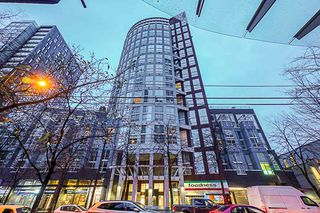 "Main Photo: 201 933 SEYMOUR Street in Vancouver: Downtown VW Condo for sale in ""THE SPOT"" (Vancouver West)  : MLS®# R2446666"