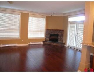 Photo 3: 117 32729 GARIBALDI Drive in Abbotsford: Abbotsford West Condo for sale : MLS®# F2918971