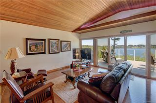Photo 9: 5537 Forest Hill Rd in : SW West Saanich Single Family Detached for sale (Saanich West)  : MLS®# 853792