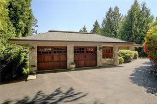 Photo 2: 5537 Forest Hill Rd in : SW West Saanich Single Family Detached for sale (Saanich West)  : MLS®# 853792
