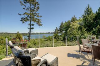 Photo 3: 5537 Forest Hill Rd in : SW West Saanich Single Family Detached for sale (Saanich West)  : MLS®# 853792