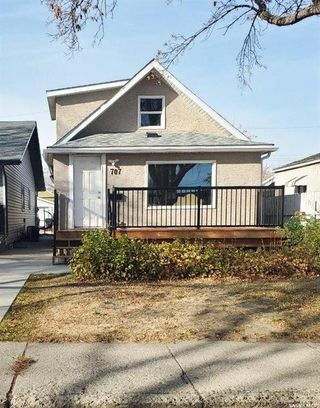 Main Photo: 707 M Avenue South in Saskatoon: King George Residential for sale : MLS®# SK830902