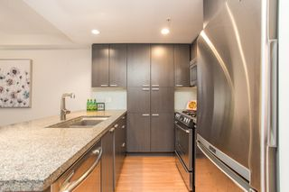 """Photo 9: 403 2200 DOUGLAS Road in Burnaby: Brentwood Park Condo for sale in """"AFFINITY"""" (Burnaby North)  : MLS®# R2523058"""