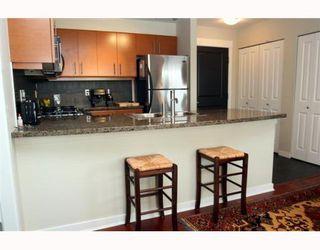 "Photo 4: 208 1706 56TH Street in Tsawwassen: Beach Grove Condo for sale in ""Heron Cove"" : MLS®# V790843"