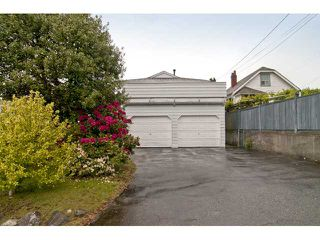 Photo 10: 2554 E 7TH Avenue in Vancouver: Renfrew VE House for sale (Vancouver East)  : MLS®# V833127