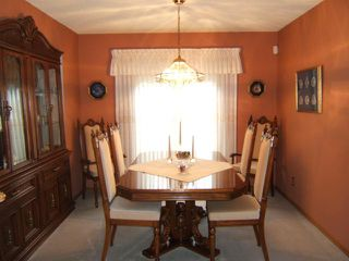 Photo 8: 27 GLENFINNAN Place in ESTPAUL: Birdshill Area Residential for sale (North East Winnipeg)  : MLS®# 1021306