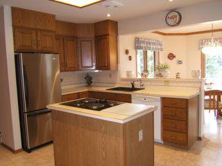 Photo 4: 27 GLENFINNAN Place in ESTPAUL: Birdshill Area Residential for sale (North East Winnipeg)  : MLS®# 1021306