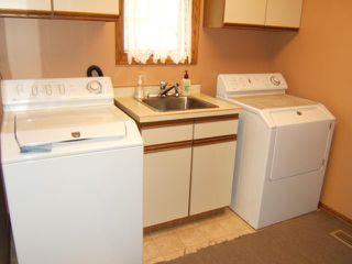 Photo 17: 27 GLENFINNAN Place in ESTPAUL: Birdshill Area Residential for sale (North East Winnipeg)  : MLS®# 1021306