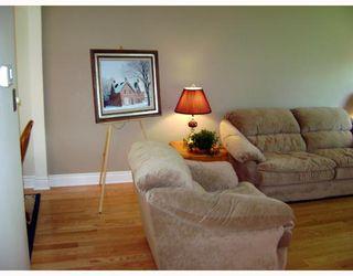 Photo 5: 318 MOORGATE Street in WINNIPEG: St James Residential for sale (West Winnipeg)  : MLS®# 2812483