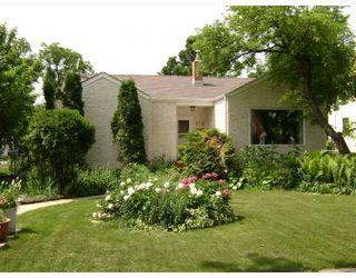Photo 1: 318 MOORGATE Street in WINNIPEG: St James Residential for sale (West Winnipeg)  : MLS®# 2812483