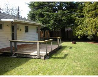 """Photo 3: 4010 SUNNYCREST Drive in North_Vancouver: Forest Hills NV House for sale in """"FOREST HILLS"""" (North Vancouver)  : MLS®# V758304"""