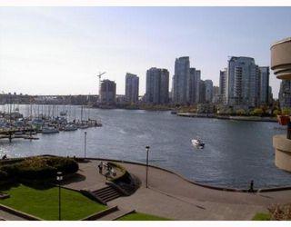 Photo 2: 417 525 WHEELHOUSE Square in Vancouver: False Creek Condo for sale (Vancouver West)  : MLS®# V764600