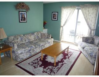 Photo 2: 38 TUNBRIDGE Bay in WINNIPEG: Transcona Residential for sale (North East Winnipeg)  : MLS®# 2910296
