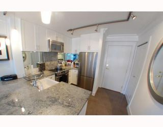 "Photo 3: 1102 1189 HOWE Street in Vancouver: Downtown VW Condo for sale in ""THE GENESIS"" (Vancouver West)  : MLS®# V779458"
