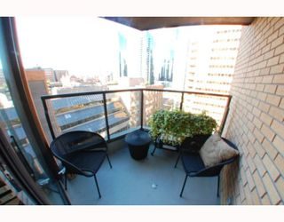 "Photo 9: 1102 1189 HOWE Street in Vancouver: Downtown VW Condo for sale in ""THE GENESIS"" (Vancouver West)  : MLS®# V779458"