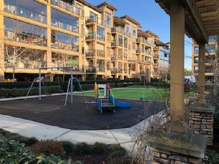 """Photo 6: 109 8258 207A Street in Langley: Willoughby Heights Condo for sale in """"YORKSON CREEK"""" : MLS®# R2432746"""