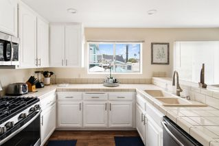 Photo 11: PACIFIC BEACH Townhome for sale : 3 bedrooms : 4069 Lamont St #3 in San Diego
