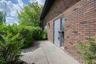 Photo 1: 11132 48 Avenue in Edmonton: Zone 15 House for sale : MLS®# E4200680