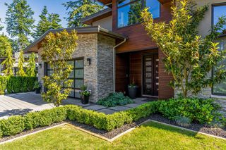 """Photo 2: 1500 BISHOP Road: White Rock House for sale in """"BISHOP HILL"""" (South Surrey White Rock)  : MLS®# R2465099"""