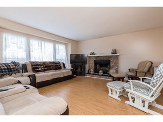 Photo 3: 2866 GLENAVON Street in Abbotsford: Abbotsford East House for sale : MLS®# R2469985