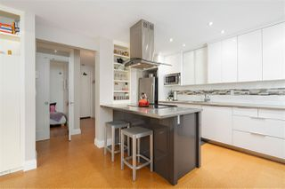 "Photo 3: 207 1484 CHARLES Street in Vancouver: Grandview Woodland Condo for sale in ""LANDMARK ARMS - COMMERCIAL DRIVE"" (Vancouver East)  : MLS®# R2477117"