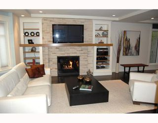 """Photo 3: 917 W 20TH Avenue in Vancouver: Cambie House for sale in """"DOUGLAS PARK"""" (Vancouver West)  : MLS®# V803088"""