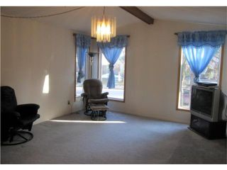 Photo 6: 118 Parashin Bay in WINNIPEG: Maples / Tyndall Park Residential for sale (North West Winnipeg)  : MLS®# 1004135