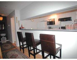 """Photo 3: 1163 THE HIGH Street in Coquitlam: North Coquitlam Condo for sale in """"THE KENSINGTON"""" : MLS®# V621194"""
