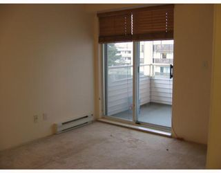 """Photo 5: 303 788 E 8TH Avenue in Vancouver: Mount Pleasant VE Condo for sale in """"CHELSEA COURT"""" (Vancouver East)  : MLS®# V743600"""