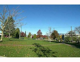 "Photo 8: 303 788 E 8TH Avenue in Vancouver: Mount Pleasant VE Condo for sale in ""CHELSEA COURT"" (Vancouver East)  : MLS®# V743600"