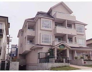 "Photo 1: 303 788 E 8TH Avenue in Vancouver: Mount Pleasant VE Condo for sale in ""CHELSEA COURT"" (Vancouver East)  : MLS®# V743600"