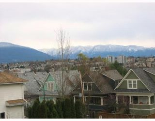 "Photo 4: 303 788 E 8TH Avenue in Vancouver: Mount Pleasant VE Condo for sale in ""CHELSEA COURT"" (Vancouver East)  : MLS®# V743600"