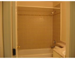 "Photo 7: 303 788 E 8TH Avenue in Vancouver: Mount Pleasant VE Condo for sale in ""CHELSEA COURT"" (Vancouver East)  : MLS®# V743600"