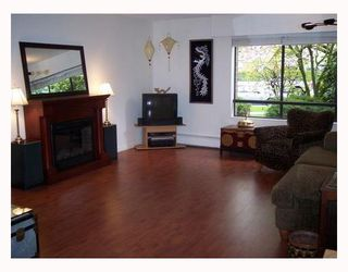 "Photo 1: 105 1877 W 5TH Avenue in Vancouver: Kitsilano Condo for sale in ""5TH AVE WEST"" (Vancouver West)  : MLS®# V768488"