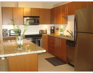 """Photo 2: 404 2138 MADISON Avenue in Burnaby: Brentwood Park Condo for sale in """"RENAISSANCE MOSAIC"""" (Burnaby North)  : MLS®# V772409"""