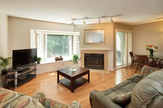Photo 3: 3337 FLAGSTAFF PLACE in Vancouver: Champlain Heights Townhouse for sale (Vancouver East)  : MLS®# R2362868