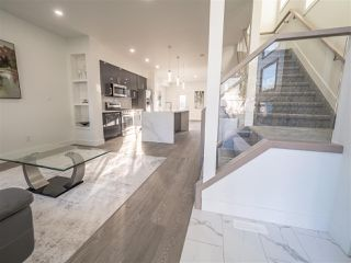 Photo 4: 8829 92 Street in Edmonton: Zone 18 House Half Duplex for sale : MLS®# E4177413
