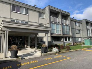 "Main Photo: 121 3451 SPRINGFIELD Drive in Richmond: Steveston North Condo for sale in ""ADMIRAL COURT"" : MLS®# R2434752"