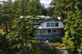 Photo 2: 308 SHOAL LKOUT Road in Gibsons: Gibsons & Area House for sale (Sunshine Coast)  : MLS®# R2471012