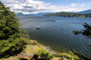 Photo 3: 308 SHOAL LKOUT Road in Gibsons: Gibsons & Area House for sale (Sunshine Coast)  : MLS®# R2471012