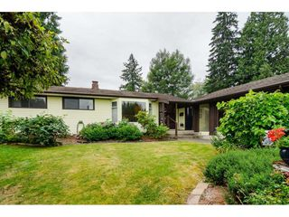 Photo 1: 19746 49 Avenue in Langley: Langley City House for sale : MLS®# R2493431