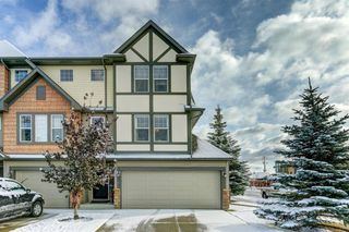 Main Photo: 4 Everridge Common SW in Calgary: Evergreen Row/Townhouse for sale : MLS®# A1043353