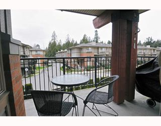 Photo 10: 211 200 KLAHANIE Drive in Port Moody: Port Moody Centre Condo for sale : MLS®# V805277