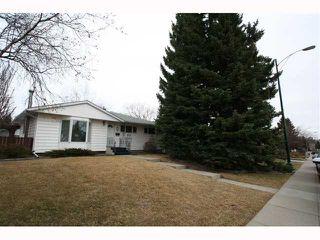Photo 1: 28 HARROW Crescent SW in CALGARY: Haysboro Residential Detached Single Family for sale (Calgary)  : MLS®# C3419230