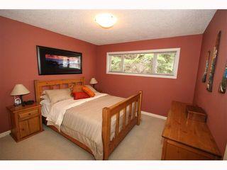 Photo 11: 28 HARROW Crescent SW in CALGARY: Haysboro Residential Detached Single Family for sale (Calgary)  : MLS®# C3419230