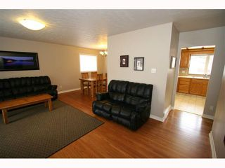 Photo 4: 28 HARROW Crescent SW in CALGARY: Haysboro Residential Detached Single Family for sale (Calgary)  : MLS®# C3419230