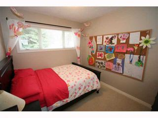 Photo 14: 28 HARROW Crescent SW in CALGARY: Haysboro Residential Detached Single Family for sale (Calgary)  : MLS®# C3419230