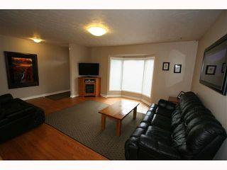 Photo 5: 28 HARROW Crescent SW in CALGARY: Haysboro Residential Detached Single Family for sale (Calgary)  : MLS®# C3419230