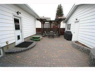 Photo 20: 28 HARROW Crescent SW in CALGARY: Haysboro Residential Detached Single Family for sale (Calgary)  : MLS®# C3419230